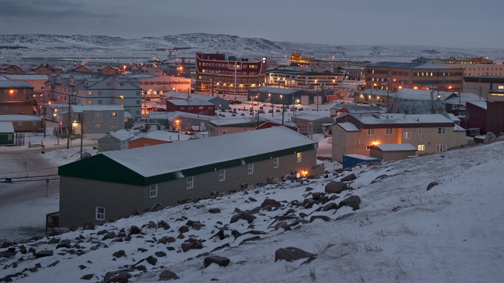 iqaluit-at-night-downtown-dsc4974-1200x675